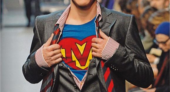 Superman reinterpretado por Moschino